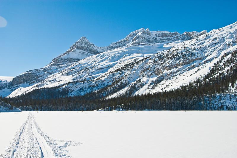 Portal Peak (2790m) [left] & Mount Thompson (3065m)